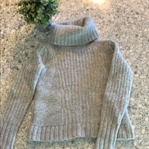 Banana Republic knit turtleneck XS